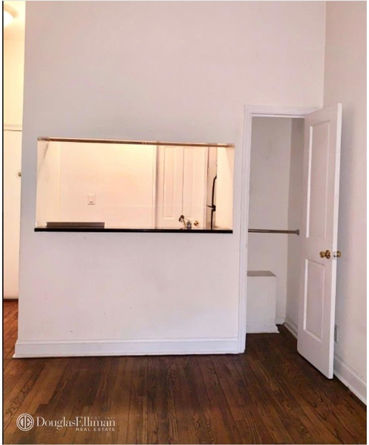 Studio, Yorkville Rental in NYC for $1,795 - Photo 2