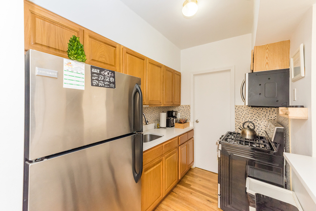 3 Bedrooms, Astoria Rental in NYC for $3,900 - Photo 2