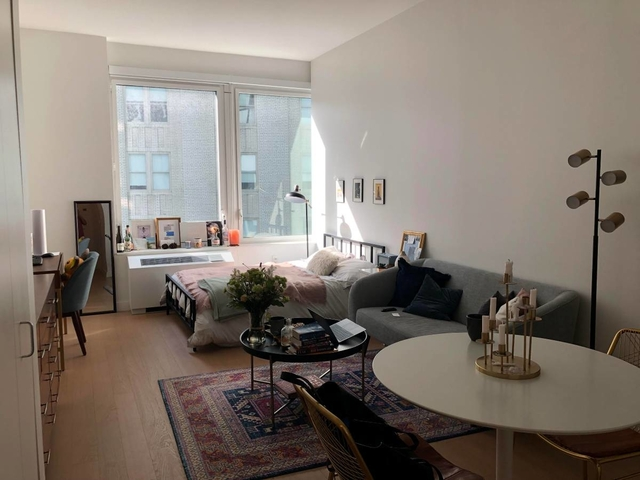 Studio, Financial District Rental in NYC for $3,405 - Photo 1