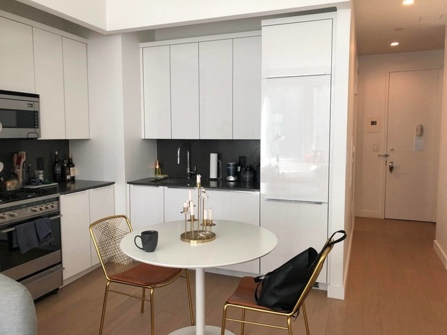 Studio, Financial District Rental in NYC for $3,405 - Photo 2
