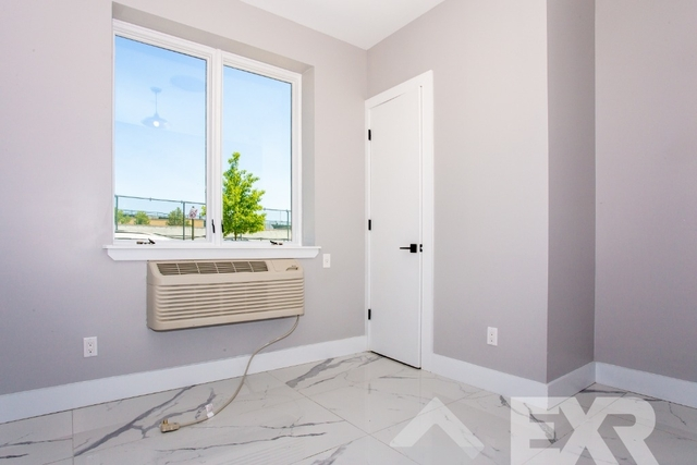 Room, Ocean Hill Rental in NYC for $780 - Photo 2