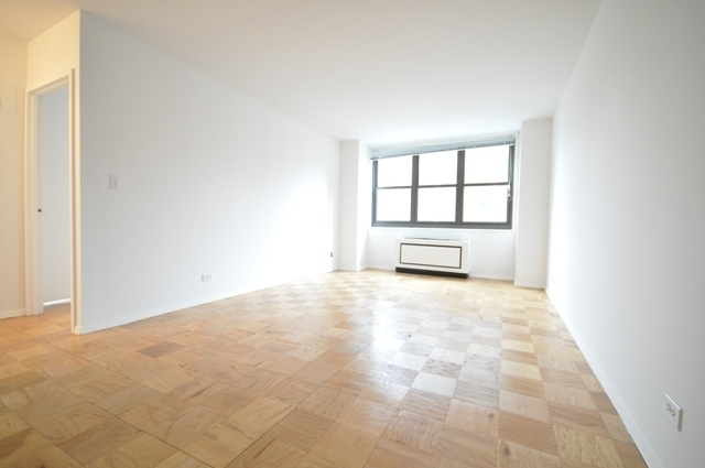 3 Bedrooms, Tribeca Rental in NYC for $7,495 - Photo 2