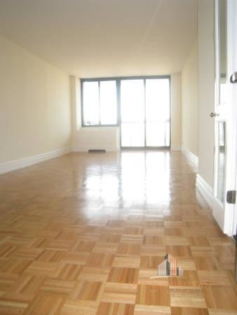 2 Bedrooms, Lincoln Square Rental in NYC for $5,500 - Photo 2
