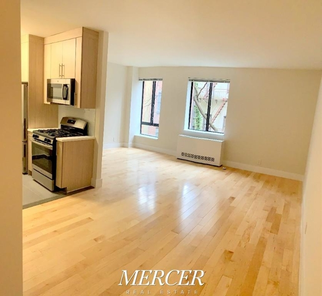 Studio, Hell's Kitchen Rental in NYC for $3,125 - Photo 1