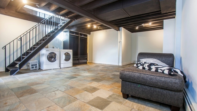 2 Bedrooms, Bushwick Rental in NYC for $3,199 - Photo 2