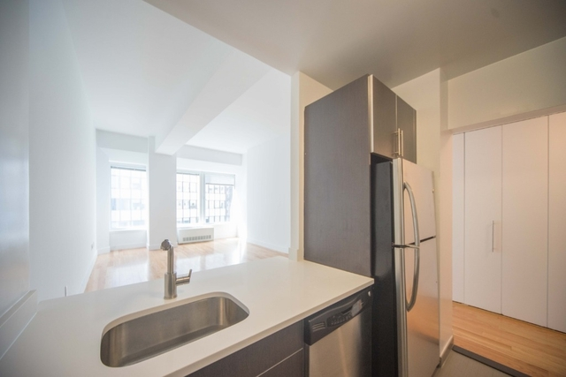Studio, Financial District Rental in NYC for $3,490 - Photo 2
