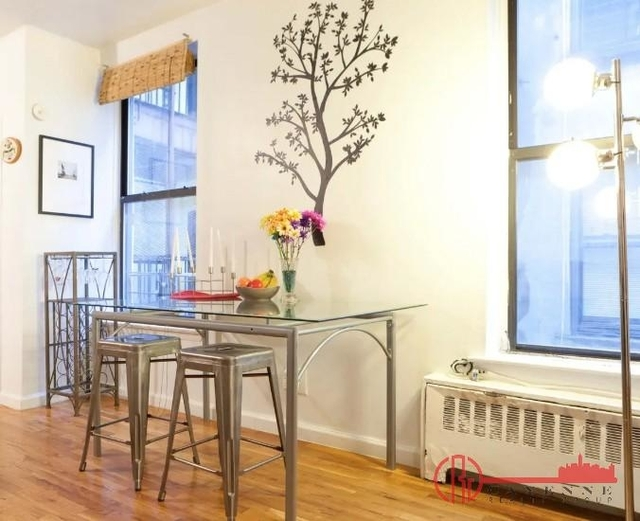 Studio, Hell's Kitchen Rental in NYC for $4,700 - Photo 1