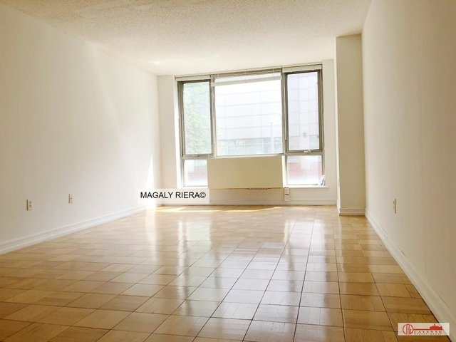 2 Bedrooms, Hell's Kitchen Rental in NYC for $3,150 - Photo 2
