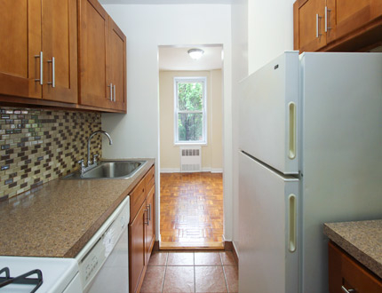 1 Bedroom, Flushing Rental in NYC for $1,954 - Photo 2