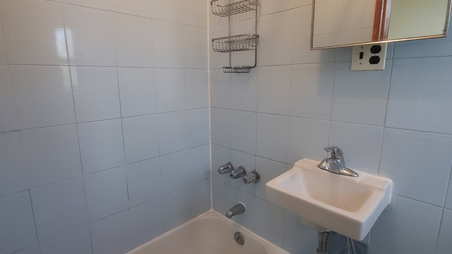 2 Bedrooms, Bowery Rental in NYC for $2,863 - Photo 2