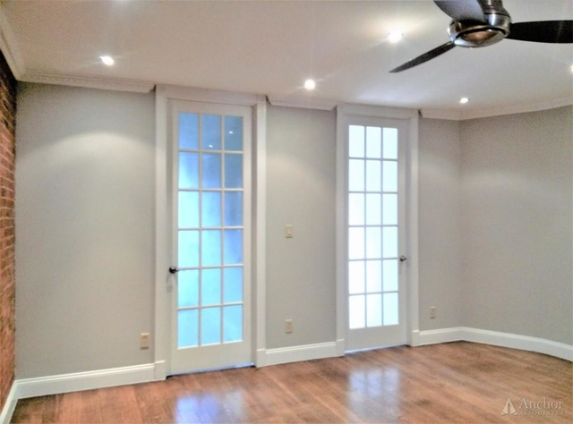 4 Bedrooms, Hell's Kitchen Rental in NYC for $6,249 - Photo 2