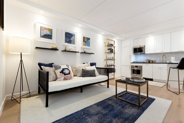 2 Bedrooms, Two Bridges Rental in NYC for $4,653 - Photo 2