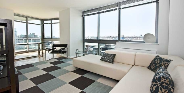 3 Bedrooms, Hell's Kitchen Rental in NYC for $4,710 - Photo 2