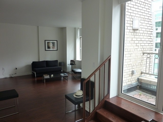 1 Bedroom, Financial District Rental in NYC for $4,938 - Photo 2