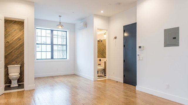 3 Bedrooms, East Williamsburg Rental in NYC for $3,996 - Photo 2