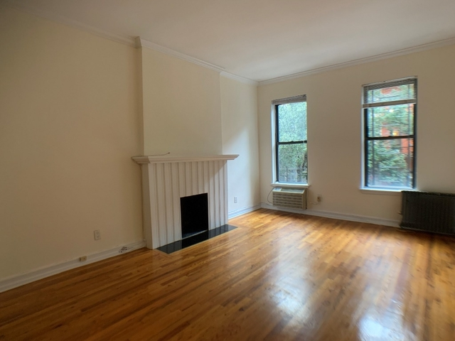 Studio, Yorkville Rental in NYC for $2,000 - Photo 2