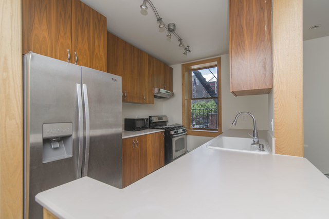 3 Bedrooms, Crown Heights Rental in NYC for $3,295 - Photo 2