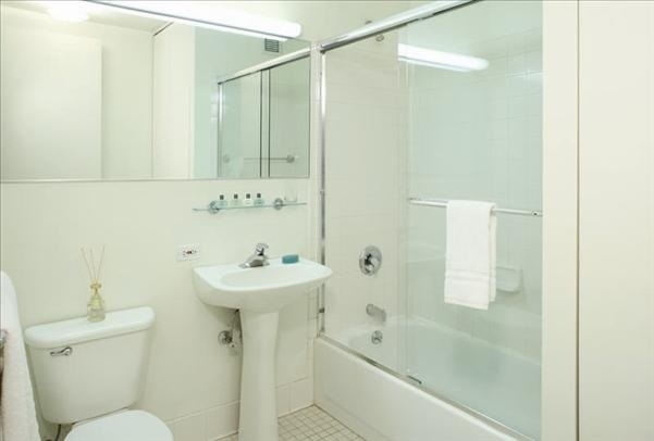 1 Bedroom, Hell's Kitchen Rental in NYC for $3,946 - Photo 1