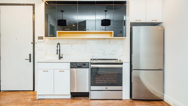 3 Bedrooms, Bushwick Rental in NYC for $3,300 - Photo 2