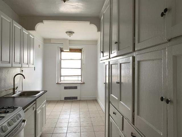 3 Bedrooms, Kensington Rental in NYC for $2,595 - Photo 2