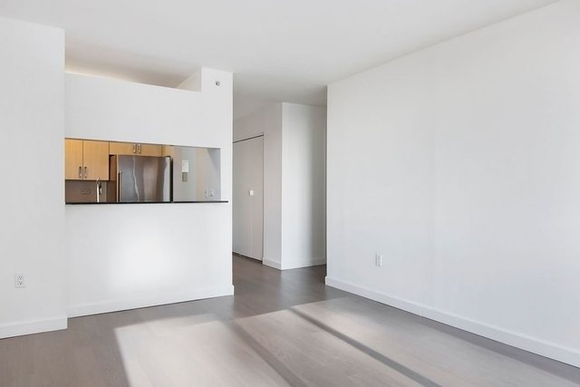 Studio, Hell's Kitchen Rental in NYC for $3,160 - Photo 1