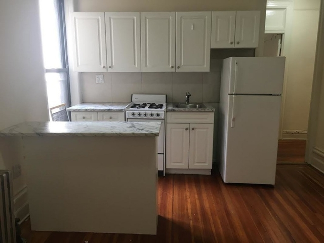 3 Bedrooms, Turtle Bay Rental in NYC for $4,395 - Photo 2