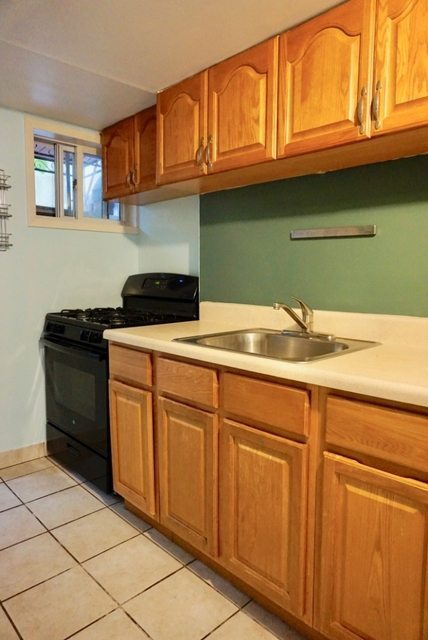2 Bedrooms, Ditmars Rental in NYC for $2,000 - Photo 1