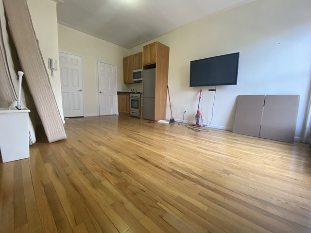 Studio, Upper West Side Rental in NYC for $2,108 - Photo 1