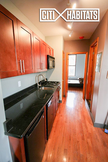 2 Bedrooms, East Village Rental in NYC for $2,925 - Photo 2