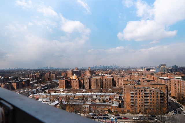 3 Bedrooms, Rego Park Rental in NYC for $3,655 - Photo 2