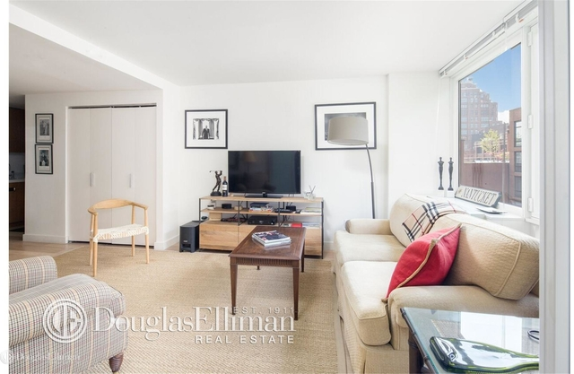 2 Bedrooms, Chelsea Rental in NYC for $7,900 - Photo 2
