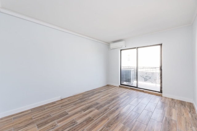 2 Bedrooms, Astoria Rental in NYC for $2,599 - Photo 2
