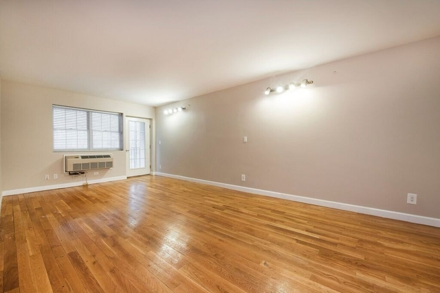 3 Bedrooms, Crown Heights Rental in NYC for $3,825 - Photo 2