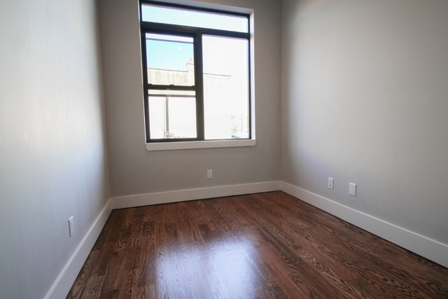 Room, Ridgewood Rental in NYC for $925 - Photo 2
