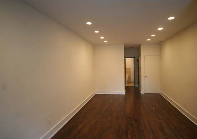 Studio, East Village Rental in NYC for $2,465 - Photo 2