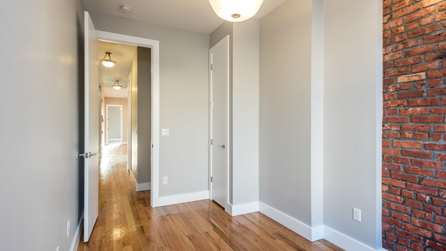 3 Bedrooms, Bushwick Rental in NYC for $3,300 - Photo 2