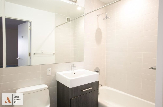Studio, Chelsea Rental in NYC for $4,275 - Photo 2