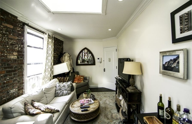 3 Bedrooms, Gramercy Park Rental in NYC for $5,685 - Photo 2