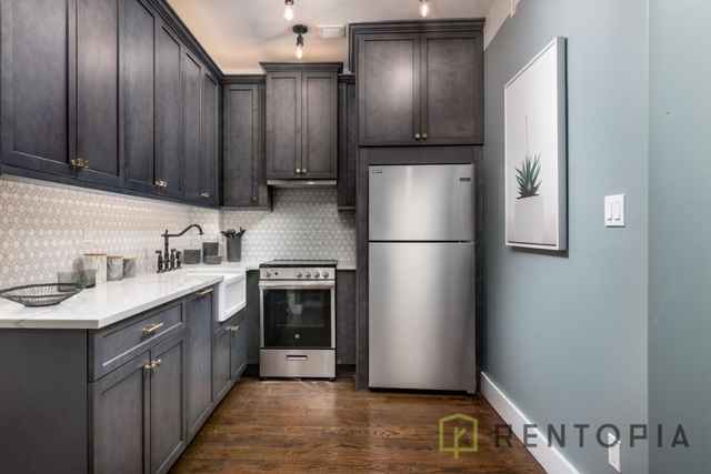 1 Bedroom, Williamsburg Rental in NYC for $3,392 - Photo 2