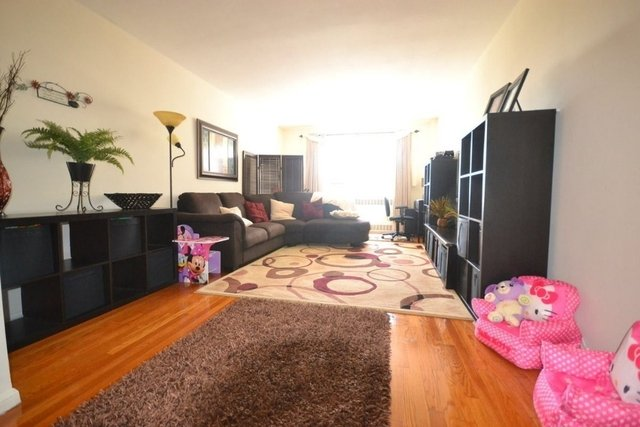 2 Bedrooms, Rego Park Rental in NYC for $3,000 - Photo 1