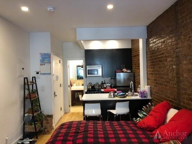 Studio, Yorkville Rental in NYC for $2,495 - Photo 2