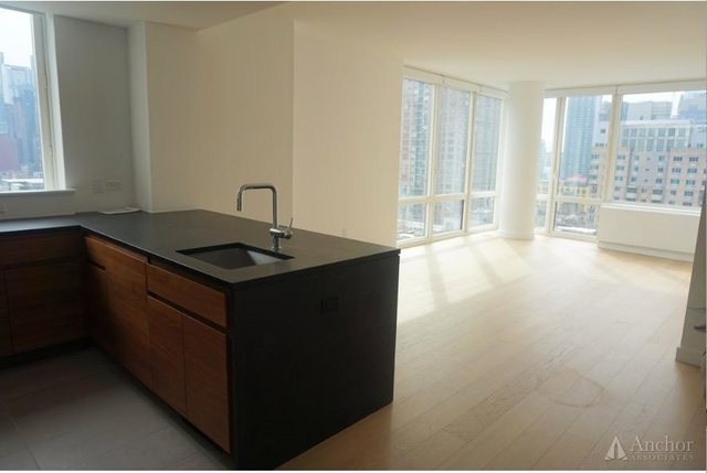 3 Bedrooms, Hell's Kitchen Rental in NYC for $7,160 - Photo 1