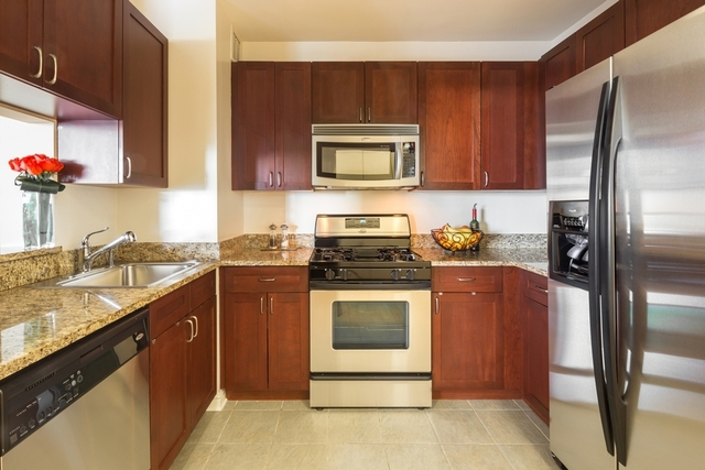2 Bedrooms, Battery Park City Rental in NYC for $6,420 - Photo 2