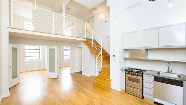 3 Bedrooms, Greenpoint Rental in NYC for $4,199 - Photo 1