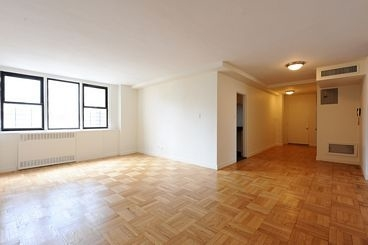 2 Bedrooms, Yorkville Rental in NYC for $6,100 - Photo 1