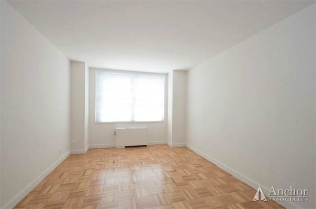 2 Bedrooms, Sutton Place Rental in NYC for $5,691 - Photo 2