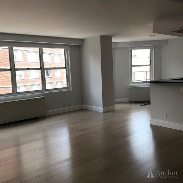 2 Bedrooms, Lincoln Square Rental in NYC for $5,171 - Photo 2