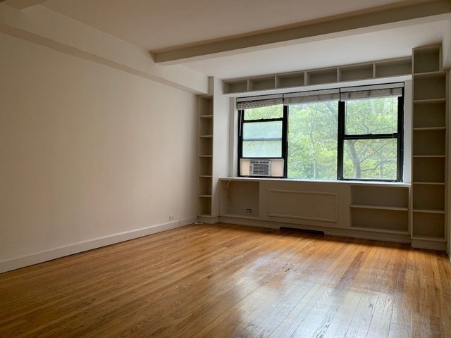 2 Bedrooms, Tudor City Rental in NYC for $3,850 - Photo 2