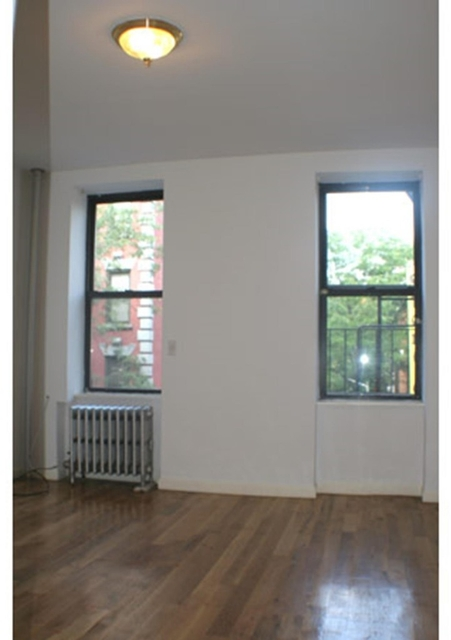 2 Bedrooms, Greenwich Village Rental in NYC for $3,100 - Photo 2