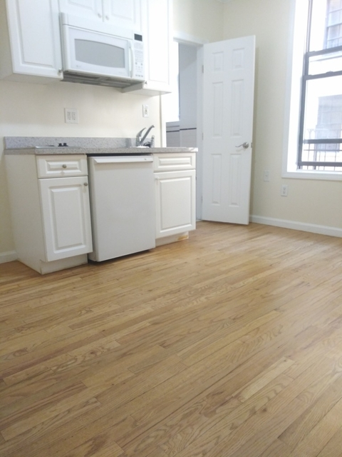 Studio, Hell's Kitchen Rental in NYC for $1,825 - Photo 2